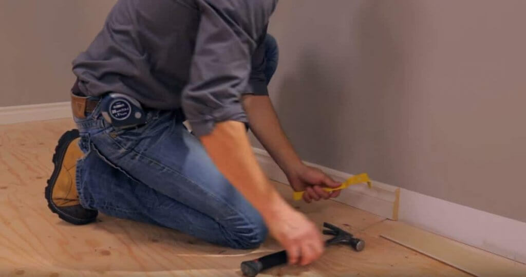 Enlever les plinthes et corderons