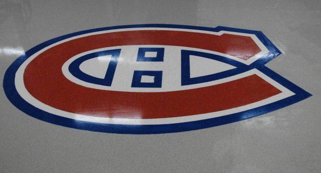 lancher d'époxy avec le logo du club de hockey des Canadiens de Montréal
